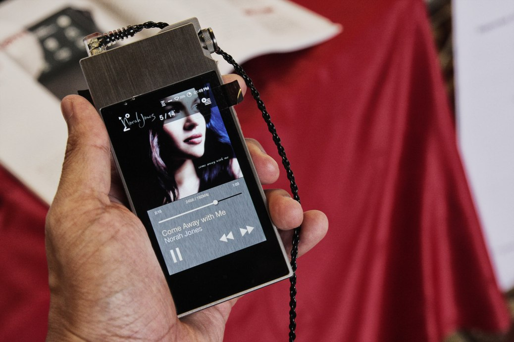 The Astell&Kern AK120-II, playing Norah Jones' 'Come Away With Me' in 24/192, hooked up to the UERM.